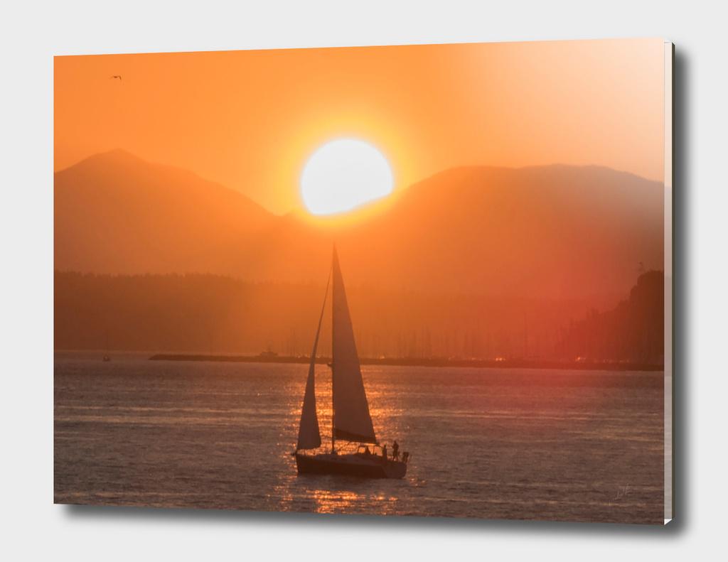 Sail under the Sun