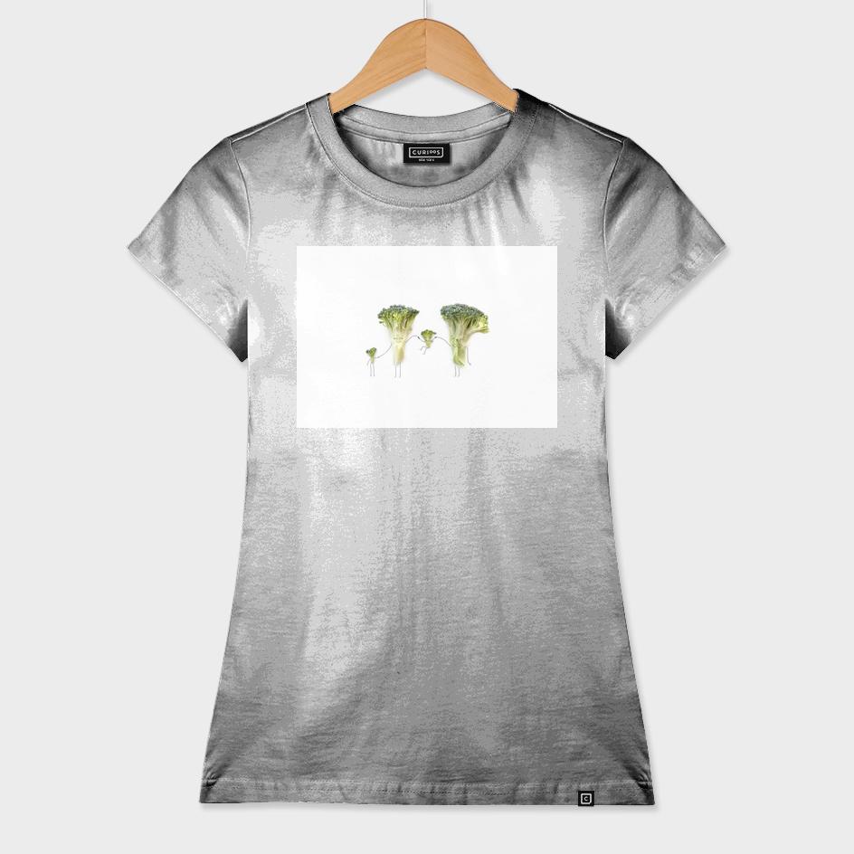 Happy broccoli family