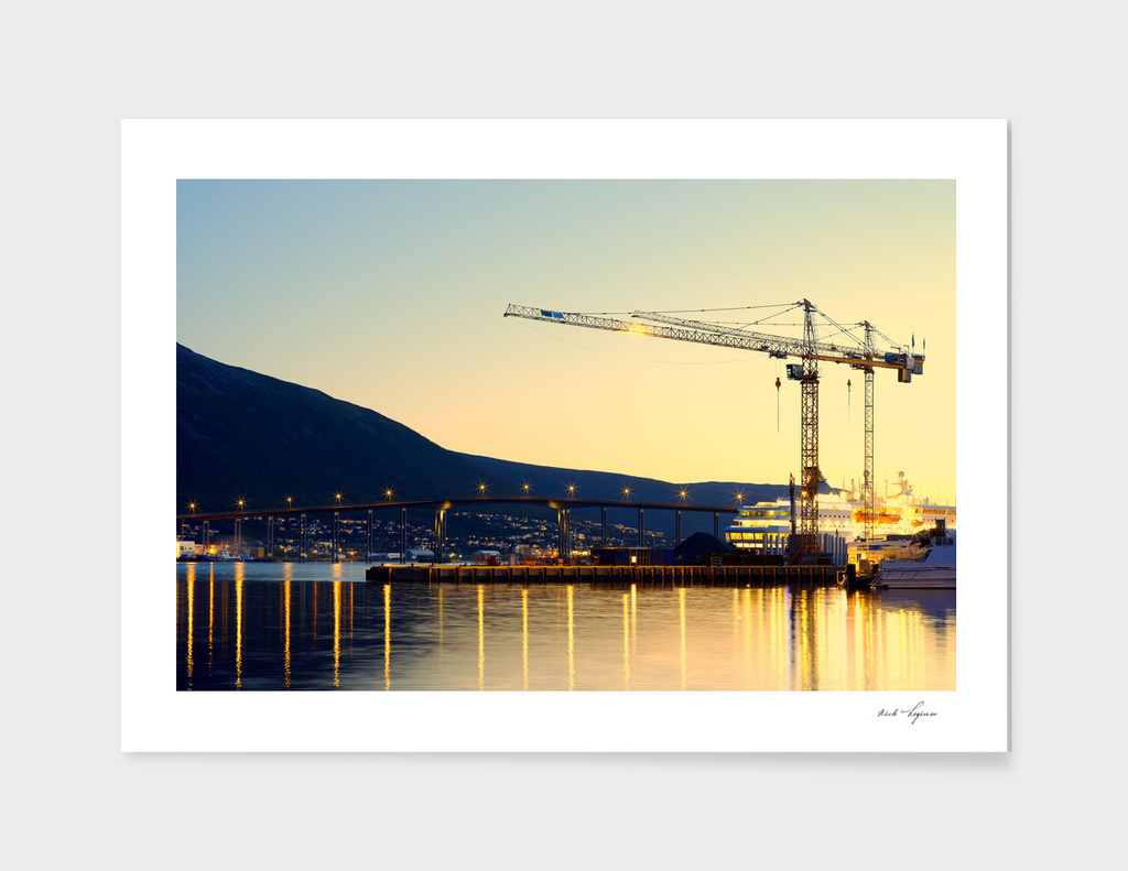 Scandinavian construction crane