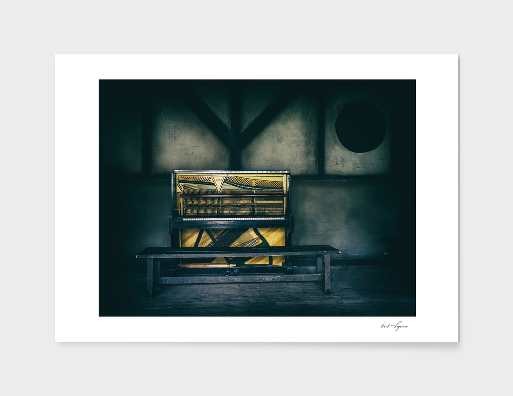 Vintage wild west piano